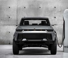 The race to launch the first all-electric American truck heats up, after Rivian introduced their Electric Truck, another company has entered the fray. Arizona-based vehicle startup Atlis Motor Vehicles have presented the all-electric Atlis XT, a Chevy Trucks Older, Old Ford Trucks, Lifted Chevy Trucks, Pickup Trucks, Fuel Cell Cars, Car Fuel, Electric Pickup Truck, Electric Cars, Ev Truck