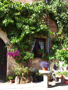 Lovely countryside house in #Soria #Spain, close to the mountains. Quiet typical Spanish #village. The house dates from 1690 and has been recently refurbished.