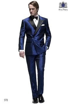 Italian bespoke suit, royal blue double breasted tuxedo in silk shantung fabric with black satin peak lapel, style 1295 Ottavio Nuccio Gala, 978 Black Tie collection.