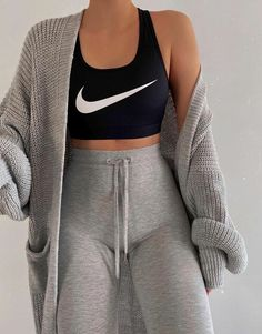 winter lounge outfit lazy days Fashion Inspiration And Trend Outfits For Casual Look Kawaii Fashion, Cute Fashion, Look Fashion, Latest Fashion, Sporty Fashion, Fashion Trends, Sporty Chic, Trendy Fashion, Fashion Quiz