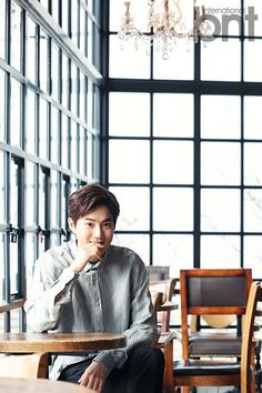 Suho - 160323 News photo Credit: bnt news. Chanyeol, Exo Chen, Kyungsoo, Kpop Exo, Exo K, K Pop, Trauma, Kim Joon Myeon, Kai