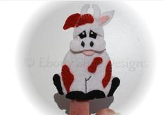 Felt cow Finger Puppet Sewing Pattern. INSTANT DOWNLOAD by EbonyShae #animalfingerpuppet #fingerpuppetpattern #fingerpuppet #felttoy