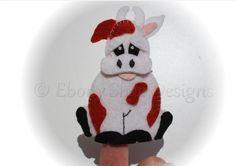 Felt cow Finger Puppet Sewing Pattern. INSTANT DOWNLOAD by EbonyShae #animalfingerpuppet #fingerpuppetpattern #fingerpuppet #felttoy