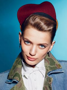 In a Teen Vogue editorial, August Photographed by Richard Burbridge. Camo Fashion, Fashion Photo, Richard Burbridge, Bregje Heinen, University Style, Back To School Fashion, Camo Designs, Vogue Editorial, Juicy Couture Jacket