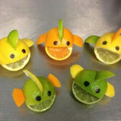 citrus fish…mix up the lime, orange, and lemon for multicolored fish Decoration Cocktail, Kids Art Party, Fruits Decoration, Deco Fruit, Deco Buffet, Food Art For Kids, Watermelon Carving, Watermelon Art, Food Carving