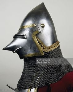 helmet-and-chain-mail-of-composite-armor-13611366-which-belonged-to-picture-id163241948 (813×1024)