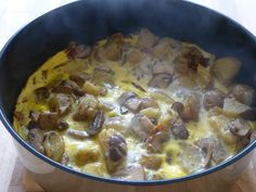 Tortilla with mushrooms and pine nuts