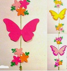 Movil de mariposas para decoración Butterfly Wall Decor, Diy Butterfly, Butterfly Decorations, School Board Decoration, School Decorations, Felt Crafts, Diy And Crafts, Paper Crafts, Paper Butterflies