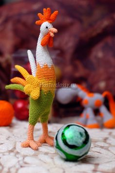 Crochet rooster pattern. Use Google Translate to get pattern.