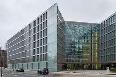 Datei:Office building VHV insurance company Constantinstrasse List Hannover Germany 02.jpg