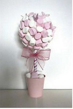 Les arbres à bonbon 3 Baby Shower Buffet, Pinterest Diy Crafts, Candy Trees, Sweet Trees, Christening Favors, Wedding Decorations, Table Decorations, Arch Decoration, Chocolate Bouquet