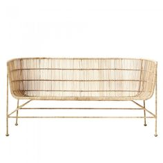 CUUN Lounge bench by House Doctor made in black rattan and which has a retro spirit. Its wide and deep basis invite to relaxation. Decoration and contemporary furniture in Paris.