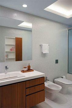 banheiro-branco-madeira-2