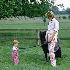 July 1986 ~ HRH Diana, Princess of Wales and Prince Harry are pictured with the pony, Smokey, at the Highgrove Estate. Diana Spencer, Princesa Diana, Prince Charles And Camilla, Prince William, Lady Diana, Prince Harry, Diana Williams, Diane, Mother Son