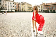 I wanna go where she is. Love the dress