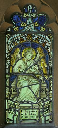 Angel with violin, Boxworth by TheRevSteve, via Flickr