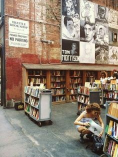 Look, our favourite, Brattle Book Shop in downtown Boston got featured!
