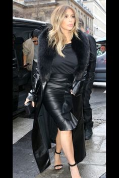 Kim k Black leather skirt + leather coat with fur