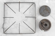 Learn how to clean those tough, baked-on messes on your stove burners and burner pans. This method couldn't be more simple, and no scrubbing is necessary! All You Need Is, Fun To Be One, Clean Stove Burners, Gas Stove, House Cleaning Tips, Cleaning Hacks, Cleaning Products, Spring Cleaning, Cleaning Supplies