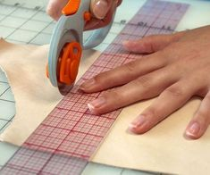 tutorials on how to work with leather from www.instructables.com