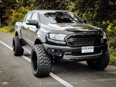 Ford Ranger Modified, Ford Ranger Lifted, Ford Ranger Truck, Ford Ranger Raptor, Lifted Ford Trucks, Ford Raptor, Weird Cars, Cool Cars, 2019 Ranger