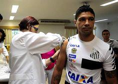 O Santos FC estreia no próximo dia 9 na Copa Libertadores da América e seus jogadores e comissão técnica já foram vacinados contra a febre amarela