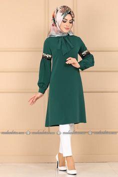 Modaselvim TUNİK Fularlı Tesettür Tunik PL904 Zümrüt Hijab Dress, Dresses, Fashion, Gowns, Moda, La Mode, Dress, Fasion, Day Dresses