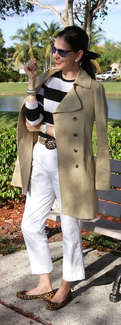 Lessons in Chic From A Key To The Amoire - I have the white jeans, the leopard print flats and the trench coat… I need a top similar to this one! Source by reginareichardt - Nautical Outfits, Nautical Fashion, Preppy Outfits, Preppy Style, My Style, Nautical Style, Miami Style, Curvy Style, Work Outfits