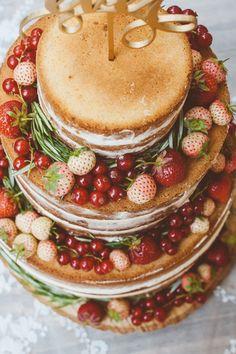 Naked Cake Rezept, Hochzeitstorte selber backen, Beeren gesund