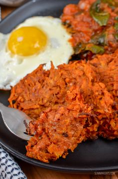Serve up these delicious Sweet Potato Hash Browns for breakfast with your favourites eggs of choice. It's an amazing combination. Gluten Free, Dairy Free, Vegetarian, Slimming World and Weight Watchers friendly | www.slimmingeats.com