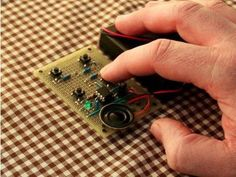 10 Awesome and Cheap DIY Projects for Geeks