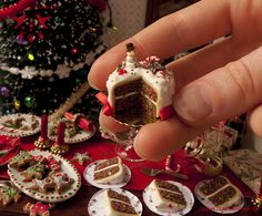 These are dollhouse Christmas goodies!  Someday, I want to have a daughter, and make her an AMAZING dollhouse with beautiful miniature stuff.  I would quite happily do it now, in fact, but having a daughter that I was doing it for would make me seem less crazy ;)