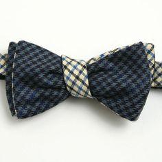 Reversible wool bow tie