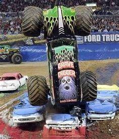 Best birthday ever and monster trucks! Rc Cars And Trucks, Lifted Trucks, Cool Trucks, Cool Cars, Big Monster Trucks, Love Monster, Monster Jam, Flying Monsters, Buy Truck