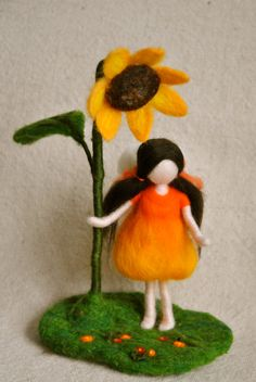 Waldorf inspired needle felted doll: The sunflower fairy Waldorf inspired needle felted doll: The sunflower by MagicWool Felt Angel, Waldorf Crafts, Needle Felting Tutorials, Felt Fairy, Flower Fairies, Fairy Dolls, Felt Dolls, Felt Ornaments, Diy Doll