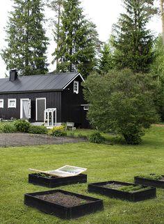 Cottage Exterior, Decks And Porches, Scandinavian Home, Modern Exterior, Black House, Beautiful Buildings, Home Look, Beautiful Interiors, Garden Planning