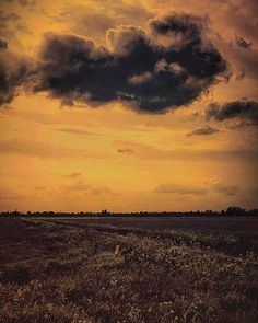 Evening #nature #sunset #travel #clouds #landscape #evening #mood #altered_nature #natureart #sky #moody_nature #mode_emotive #artistry_flair #artistry_sweden #love #atramentous_naturae #igers #instagram #ig_affair_weekly #starlings_sanctuary #dream #romantic_darkness #romantic #magic #the_gallery_of_magic #show_us_mystery #everything_collabs_n_edits #wonderland_arts #illustrious_art by stormyweather_8.1