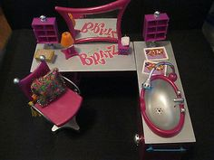 BRATZ Dolls Stylin Purple Salon