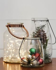 diy decoracion You HAVE TO check out these Christmas decor hacks! Im so glad I found these simple DIY Christmas decor ideas, my home is going to look so cute! Pinning these affordable Christmas decor ideas for later! Beautiful Christmas Decorations, Outdoor Christmas Decorations, Tree Decorations, Holiday Decor, Christmas Decorating Ideas, Christmas Inspiration, Decorating Your Home, Christmas Ideas, Christmas Table Centerpieces