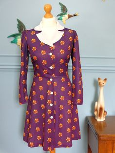 Vintage 60s Floral Mod Contrast Collar Dress size small - £30.00