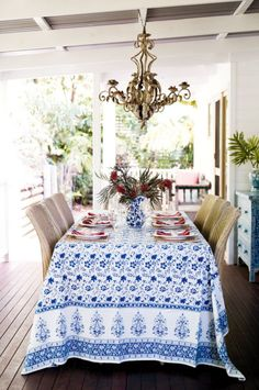 Blue and white al fresco dining table design by Anna Spiro Decor, Beautiful Table, Dining, Coastal Living, Home Decor, Outdoor Dining, Summer Tables, Interior Design, Vacation Home