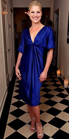 Look of the Day › September 18, 2007 Larter was simply beautiful in a cobalt-blue satin dress worn with swept-back hair, silver Jimmy Choos and an understated diamond band. The actress paid a visit to a pre-Emmy party for Heroes.