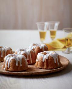 Martha Stewart's Mini Rum Bundt Cakes   Closer Weekly