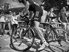Team Sky | Pro Cycling | Vuelta a Espana | Latest News | Scott Mitchell stage 20 gallery | Ben Swift displays a well-defned calf