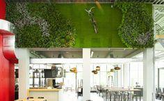 Greenwall with artificial plants, groenewand met kunstplanten