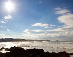St Merryn is famous for it's tourism motto 'seven bays for seven days'. these stunning beaches are right on your doorstep at St Merryn Park Cornish Beaches, Cornish Coast, Things To Do In Cornwall, Cornwall Beaches, Newquay, Bays, Luxury Holidays, Lodges, Devon