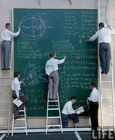 Calculeren bij NASA in de jaren '60 / Calculating at NASA in the sixties. - Photo: JR Eyerman; 1960's