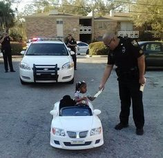 Police ticket toddler convertible driver in adorable viral photo The story is equally cute.