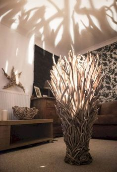 16 Fantastic Driftwood Furniture Ideas https://www.futuristarchitecture.com/32815-driftwood-furniture-ideas.html Diy Floor Lamp, Decorative Floor Lamps, Wood Floor Lamp, Decorative Lighting, Driftwood Table, Driftwood Ideas, Driftwood Flooring, Driftwood Furniture, Driftwood Projects