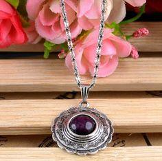 Colar-corrente de prata tibetana com pingente púrpura de resina natural